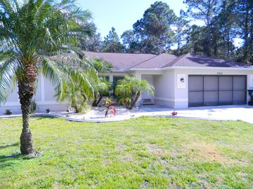 Country Pool home; Wi-Fi, Satellite TV, Phone, Tiled throughout