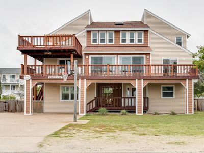 Photo for Comfortable Fun Beach Retreat for the Family. 8 bedroom. Sleeps 28!