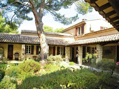 Photo for Beautiful Mas with AC, large swimming pool and WiFi near Mont Ventoux