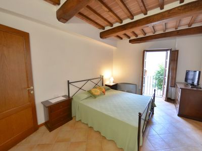 Photo for Apartment Borgo di Gaiole in Gaiole in Chianti - 3 persons, 1 bedrooms