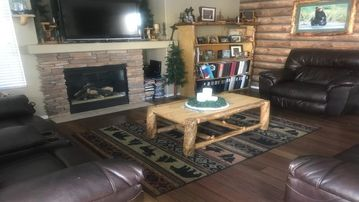 Large Family Home - Perfect for Airforce Academy Events