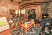 Granny's Love Shack - WiFi!  Steps to the National Forest!