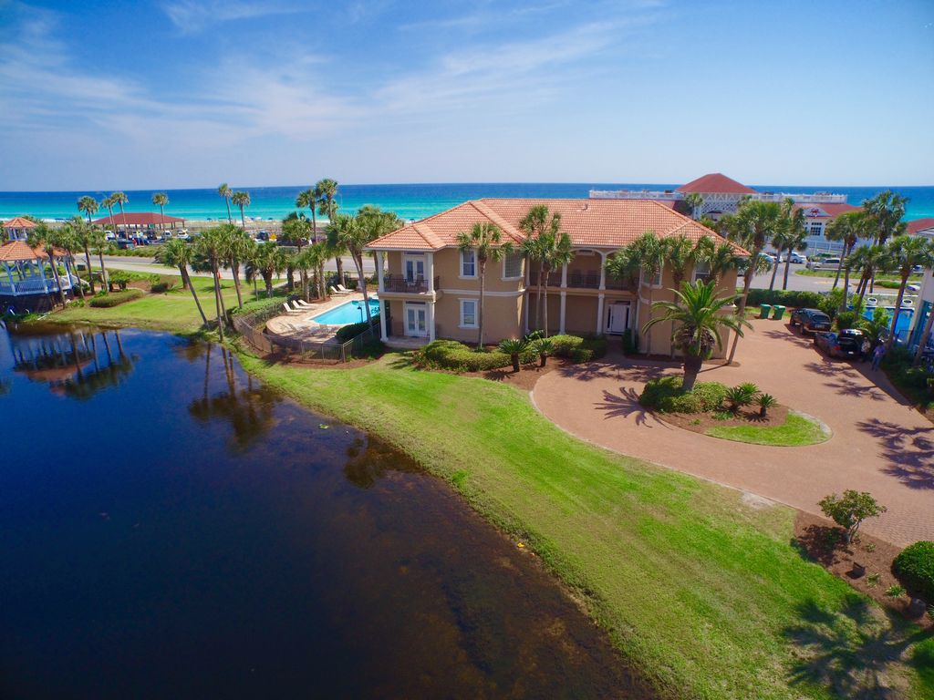8br Ustructed Gulf View Across To Beach Huge Pool Spa On Private Lake Bnb Daily