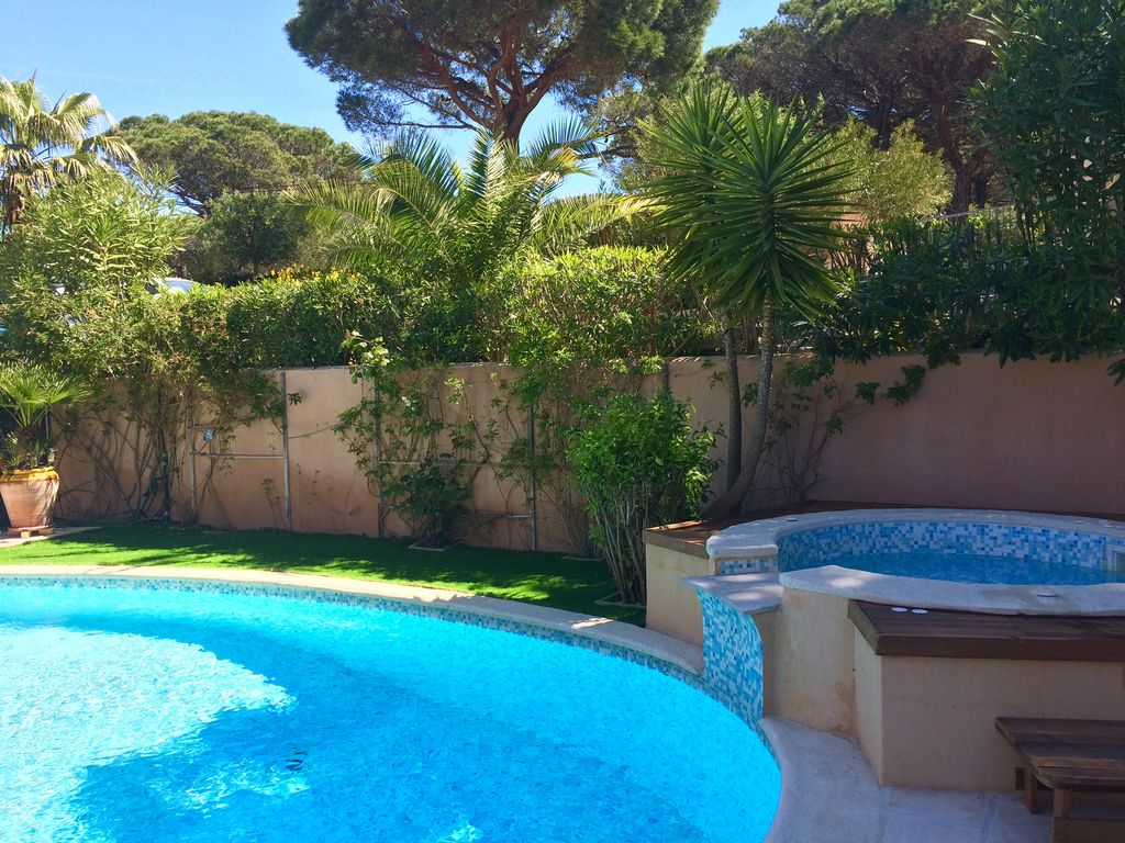 Beautiful Recent Villa In Ramatuelle Swimming Pool Heated Jacuzzi Near The Beach Ramatuelle