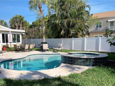 Photo for Private Pool with May Weeks Discounted! Angelfish: 3 BR / 2 BA, in Anna Maria