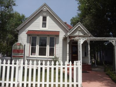 Photo for Historic Victorian Downtown Apartment