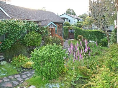 KIWI COTTAGE WITH GARDEN