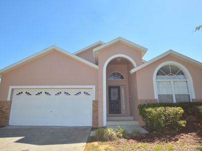 Photo for Beautiful 5 Bed, 4 Bath House with Pool, Spa, Games Room Backing Onto Grass