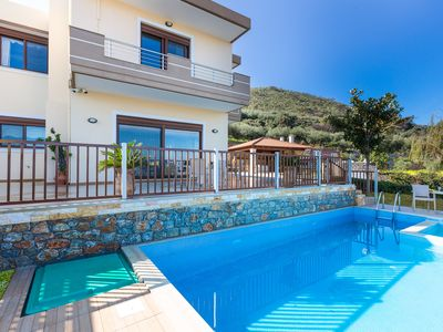 Photo for Private pool★Sea view★ BBQ & Wifi