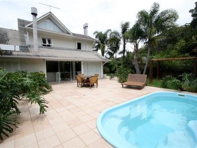 Photo for Luxurious house in condominium with pool in Praia Mole