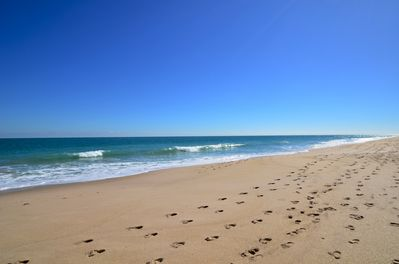 Welcome to enjoy Vero Beach from Starfish Cottage - we love it - you will too!