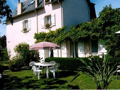 Photo for apartment on the ground floor (direct access to the garden). 300m from the large beach