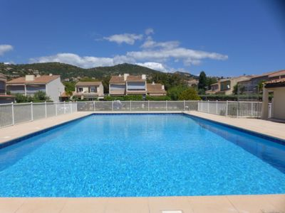 Photo for Nice apartment for 2 guests with WIFI, pool, TV, pets allowed and parking