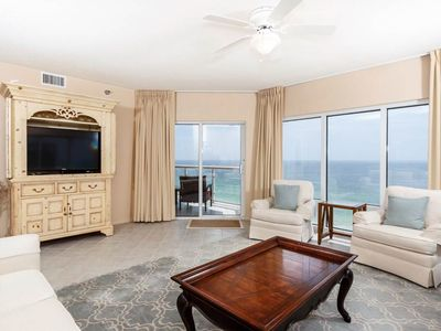Photo for 11th Floor Condo w/ Great Amenities, Beach Access, Nearby Shopping & Dining!