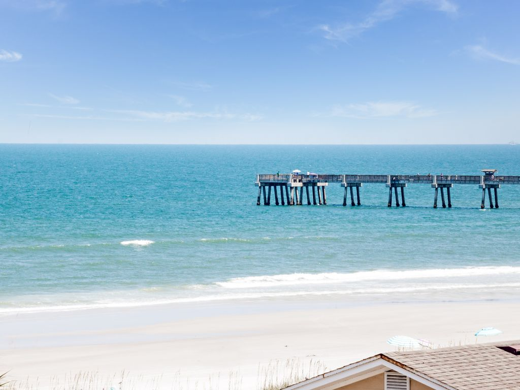 Pier View Lancelot S Castles Beach Homeaway Beaches