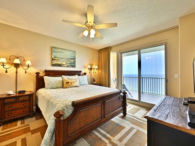 Absolutely stunning 2 bedroom 2 bath at Treasure Island. KING BEDS BOTH ROOMS