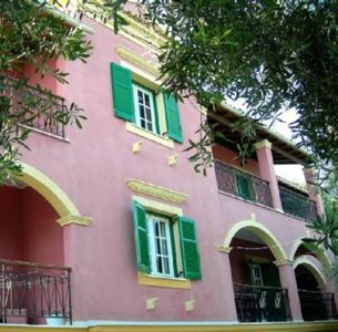 Photo for Apartment for 8 persons near the beach, Barbati.