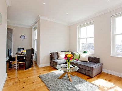 Photo for Bright luxurious 2 bedroom apartment in Earl's Court! Only 5 min walk to station