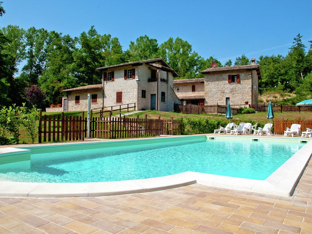 Estate With 5 Apartments Swimming Pool Homeaway Gubbio
