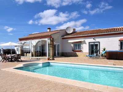 Photo for Spacious Villa with Private Pool andJacuzzi in Arenas