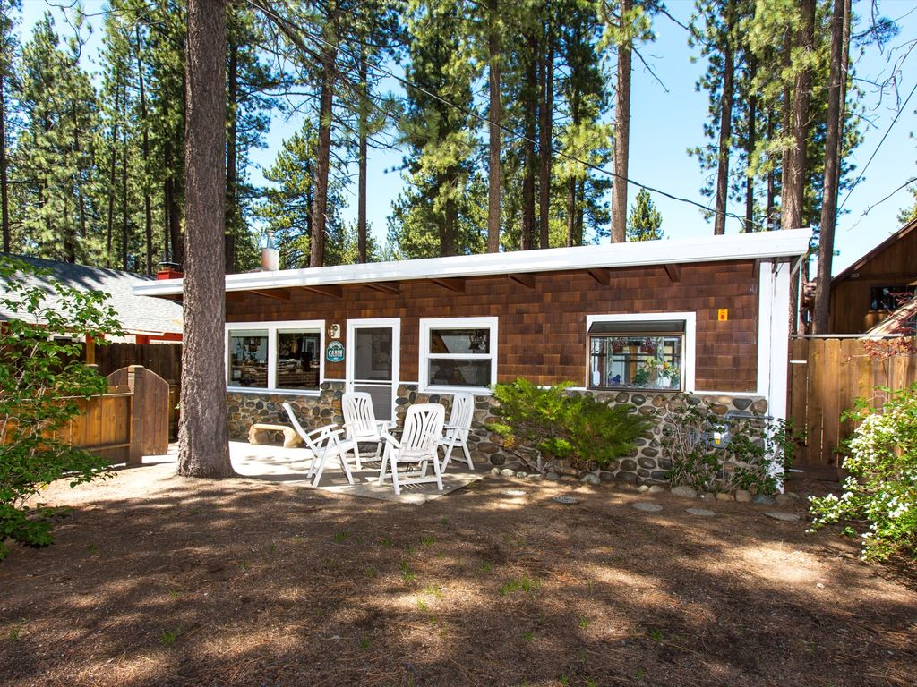 the ha wood tahoe deal area cabin conservation yards lake beach bed california in from home hotels image property cabins south s luxury authentic pines