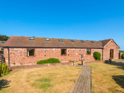 Photo for Parrs Meadow Cottage, PITCHFORD