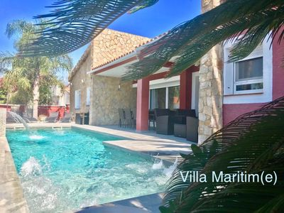 Photo for Beautiful villa with wifi, heated pool and jacuzzi, bowling