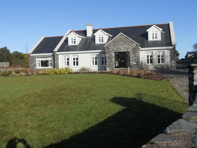 Photo for Luxury Connemara Home Close To Sea, Mountains And Lakes