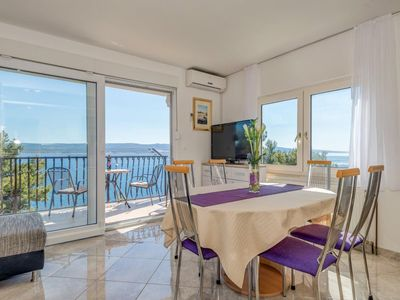 Photo for Top floor apartment newly decorated with magnificent sea view - fully equipped