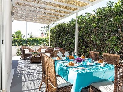 Photo for Fontane Bianche Villa, Sleeps 6 with Air Con