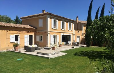 Photo for Beautiful Bastide swimming pool and jacuzzi in the heart of the alpilles,