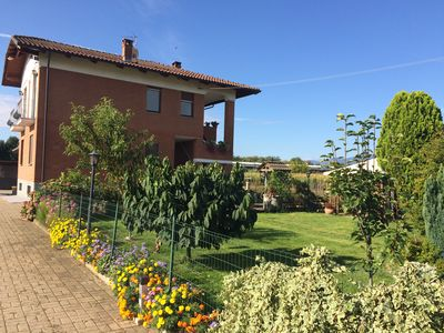 Photo for Relax in the green a few kilometers from the Reggia di Venaria and Turin.