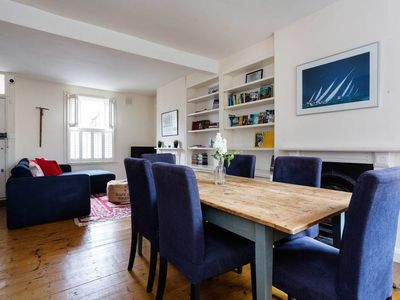 Photo for House set over two floors, walking distance to Notting Hill and tube (Veeve)