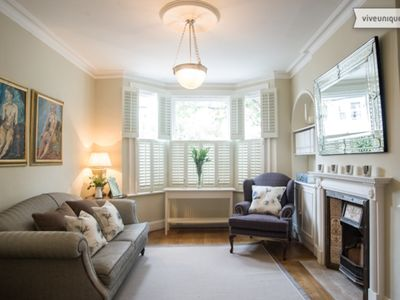 Photo for Perfect property for families, sleeping 7, a stones throw from the Thames- Veeve