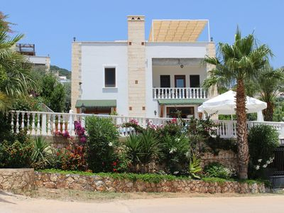 Photo for 2 bedroom villa, private pool, garden and sea views.