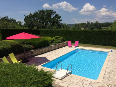 Photo for House with pool and panoramic views of the Luberon, large wooded land