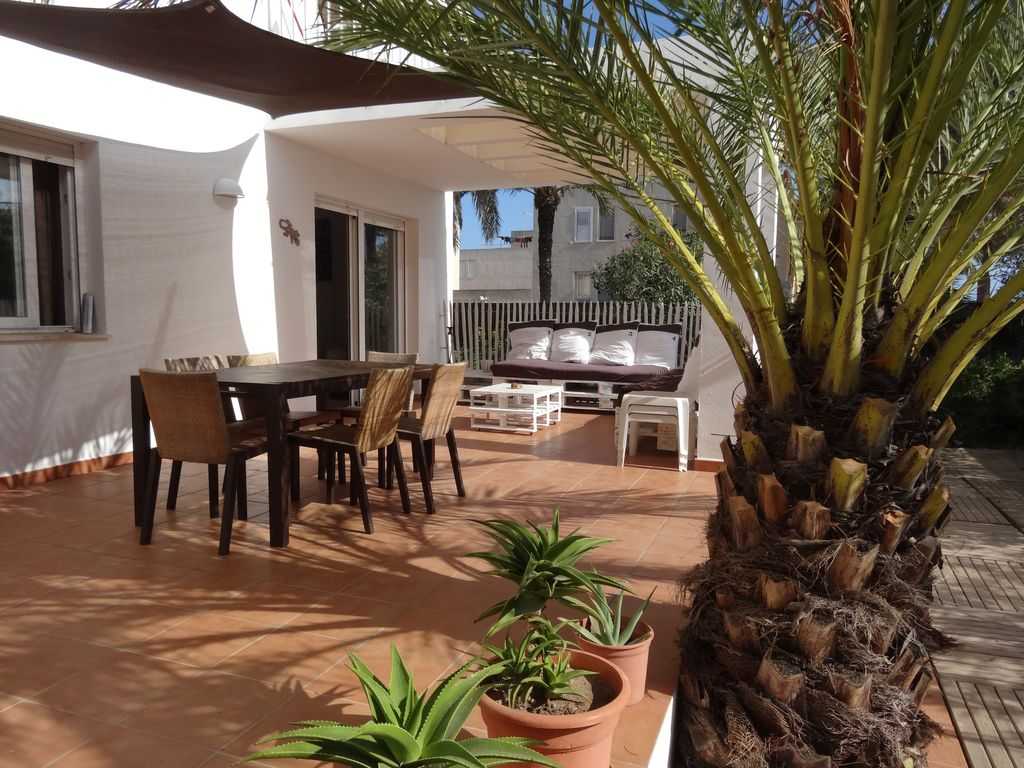 APARTMENT ANY COMFORT TERRACE AND GARDEN FOR CHILDREN, Balearic ...