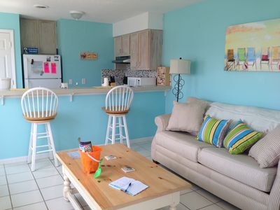 Bright, beachy atmosphere to relax & enjoy your getaway-minutes from everything!