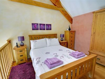 Photo for Cosy apartment for two guests with pool, WIFI, hot tub, TV and parking