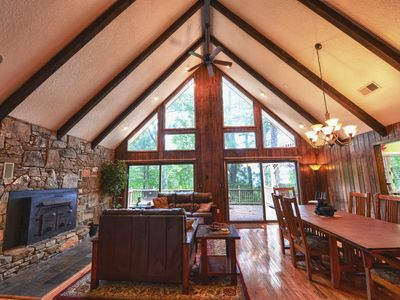 Serene Mountain Vacation Home - Asheville HOT TUB Pet Friendly