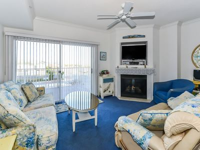 Photo for Delightful 3-bedroom luxury condo with WiFi and and outdoor pool located uptown on the bayside and just a few blocks from the beach!