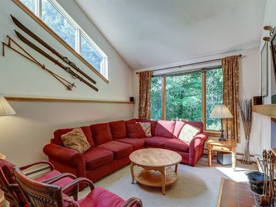 Photo for Ski-themed home close to slopes with a community pool, hot tub & gym!
