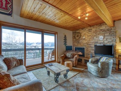 Photo for Walk to lifts at this mountain view condo w/ shared saunas & grill!