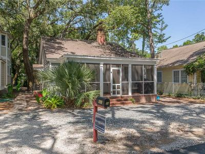 Photo for Pet friendly, close to the beach, the Pier Village, public pool, and Live Oak Tree Park.