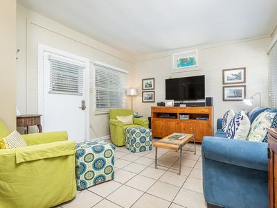 Pet Friendly Cottage with Cozy Screened Porch and Fenced Yard and Only 3 Blocks to the Beach