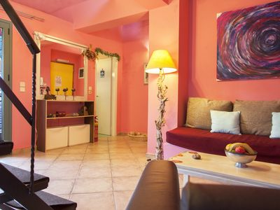 Photo for Oeve the Aesthetic magenta Loft apartment, 2' walk to the beach