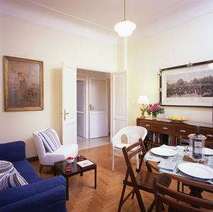Photo for Elegant, Bright And Confortable Apartment In Trastevere For 2/5 People