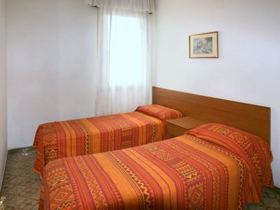Photo for Cosy apartment for 6 people with A/C, WIFI, TV, balcony, pets allowed and parking