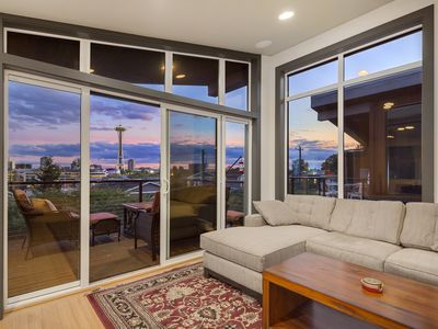Photo for Top Seattle Location with Stellar Views of Spaceneedle & Skyline, Sleeps 6