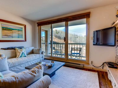 Photo for Great ski-in/ski-out mountain condo with shared pool & hot tub!